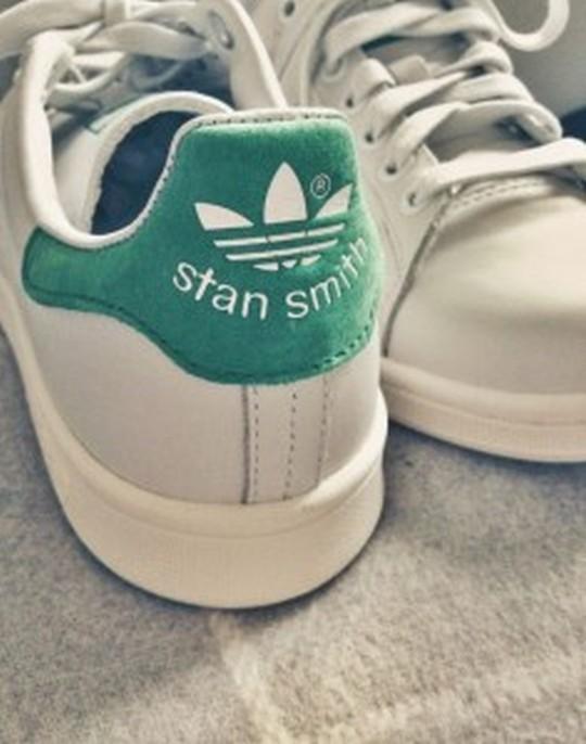 【ニューバランス・エアマックスの次はこれだ!】adidas スタンスミスで最先端のお洒落を楽しもう!