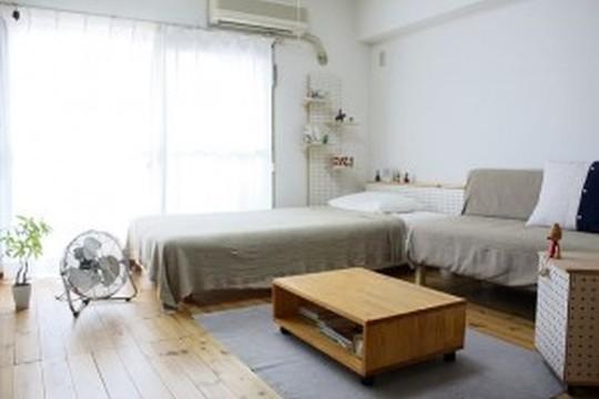 インテリア選びで「寝るためだけ」の一人暮らし部屋を卒業!