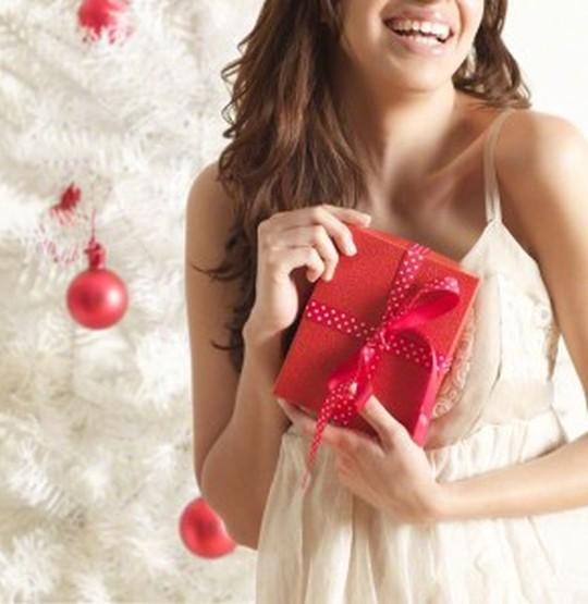 【事前リサーチが命】彼女が本当に喜ぶプレゼントの選び方