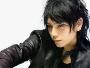 黒髪パーマがセクシー!水嶋ヒロの髪型集&作り方・セット法