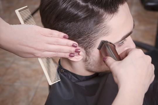 セルフカットは怖くない!メンズ向け前髪の切り方