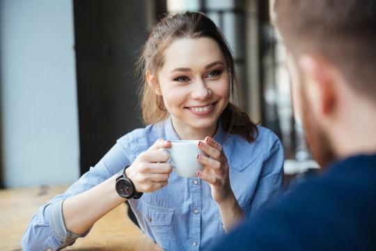 可愛い美女がカフェで隣に座ってきた時に好きになってもらう方法を本気で考えてみた。