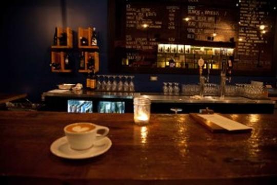 【オケオールは時代遅れ?】深夜まで営業しているカフェ5選