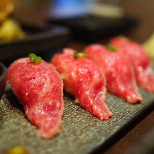 【美味しい肉寿司のお店@東京】牛肉・馬肉・鶏肉まで徹底網羅。