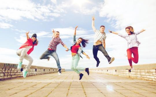 https://www.shutterstock.com/ja/image-photo/summer-sport-dancing-teenage-lifestyle-concept-440926591?src=3joveizpTamlA4AN5hLeaA-3-17