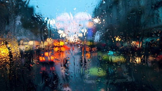 【雨音を聞きながら】内容しっかり、後味すっきりな邦画おすすめ6選
