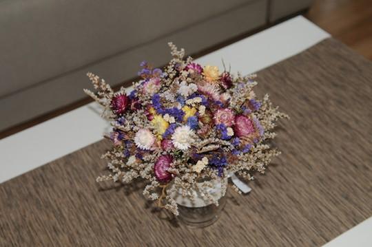 ドライフラワーと暮らす毎日【作り方とインテリア、おすすめのお花】