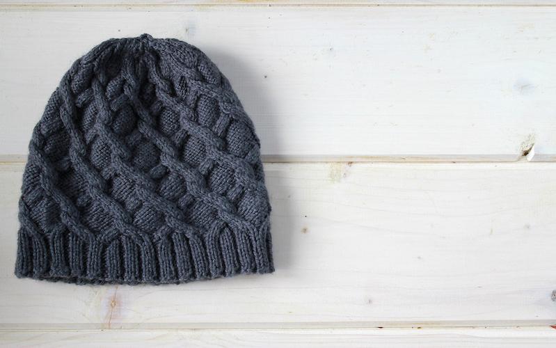 冬コーデのアクセントに、ぜひニット帽を!