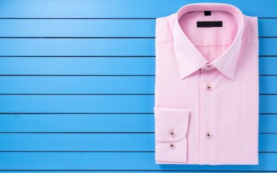 トレンドカラーピンクを使ったジェンダーレスな着こなし