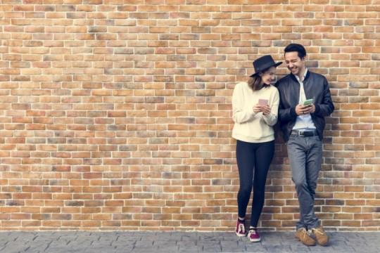 出会い系って言う人はもう時代遅れ!マッチングアプリで恋人探し