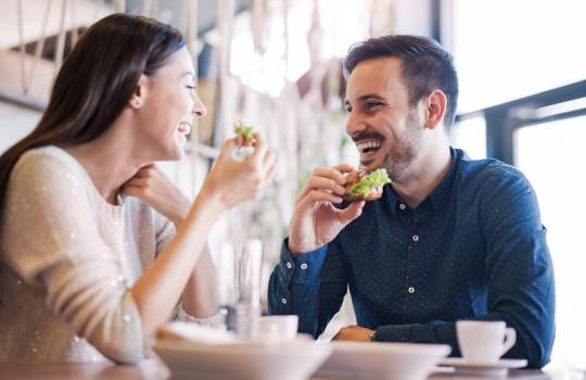 女子と会話が続かない?悩める男子のための会話の中の恋愛テクニックマニュアル