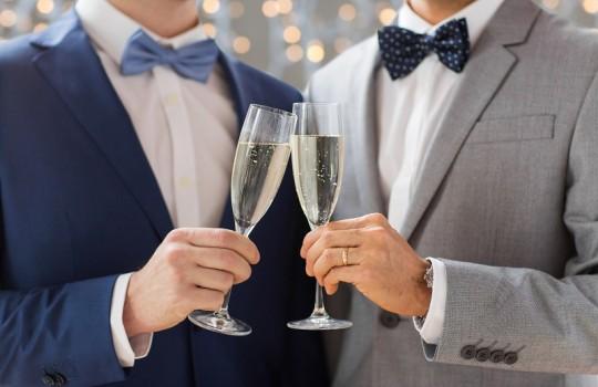 出会いのチャンス!結婚式に着ていきたいお呼ばれスーツ特集