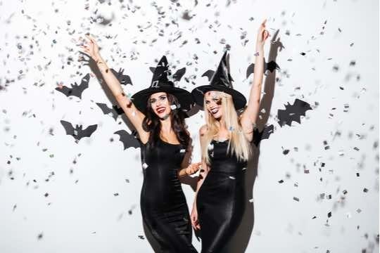 【試されるスタバ愛】今年のハロウィンは魔女と姫!?女子受け抜群のフラペチーノが登場!