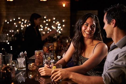 【女子ウケお酒講座】バーで頼むべきカクテル5選【デキる男を演出!】
