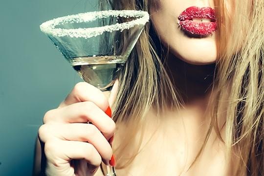 【女子ウケお酒講座】デートで使えるバーやカクテルを徹底解明!