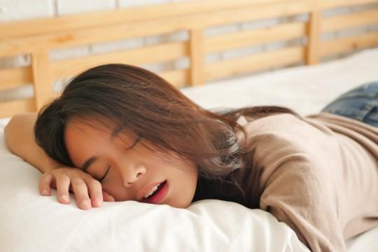 「彼女のいびき」はこうやって許せる!対策や彼女へ掛けるべきセリフを解説