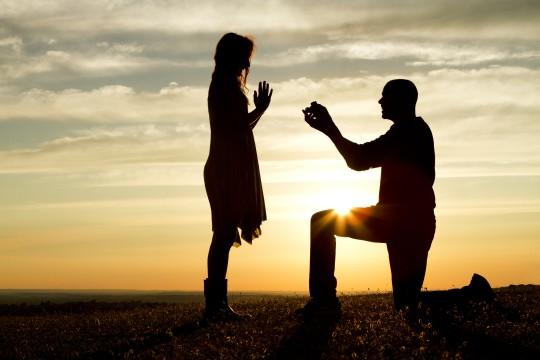 「彼女と結婚を決めてよかった」と思っている男性の傾向とプロポーズの仕方