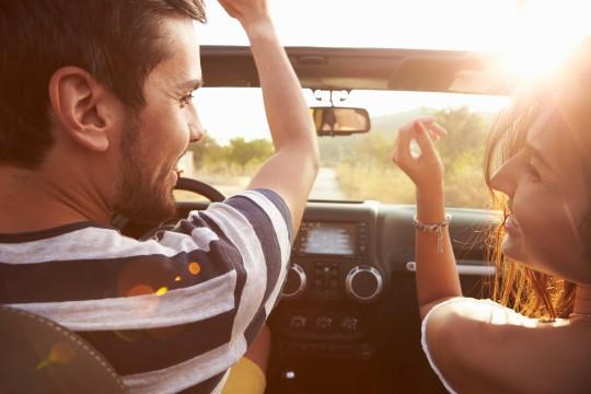 初デートはドライブに誘え!距離感と共同作業で一気に親密に♪押さえるポイントはここ!