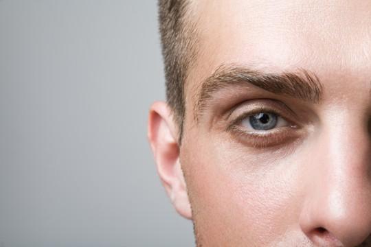 ダサい眉毛を卒業!眉毛の整え方とよくある失敗パターン