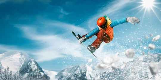 スノーボード経験者に聞いてみた!ダサいと言われないためのウェアの選び方は?