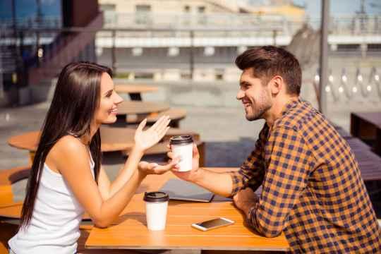 彼女から相談された時に取ってはいけない3つの行動。