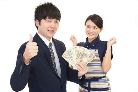 街コンで年収を聞く女性の心理とは?知っておきたい女の婚活とお金の関係