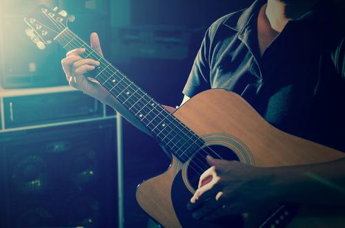 【福岡のミュージックバー8選】サブカル好きな人が全国から集まる場所!
