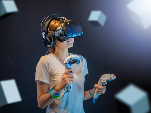 VRを新宿で楽しみたい方にオススメのアトラクション5選!